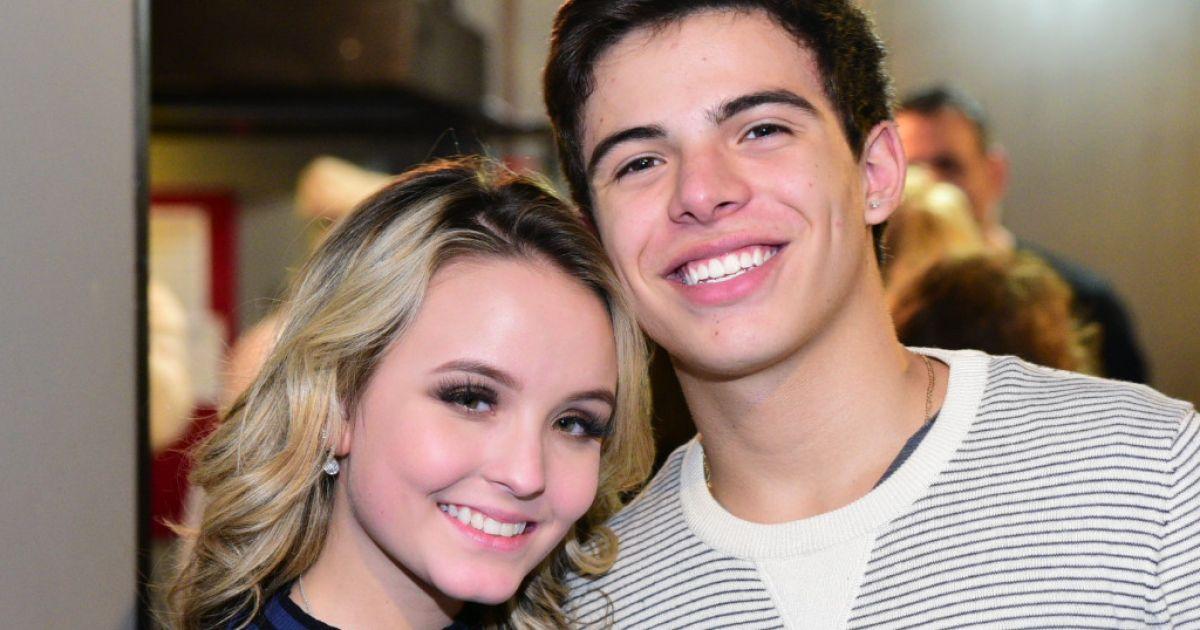 Namoro de Larissa Manoela e Thomaz Costa segue firme, diz assessoria da  atriz - Purepeople ecdd6e4492