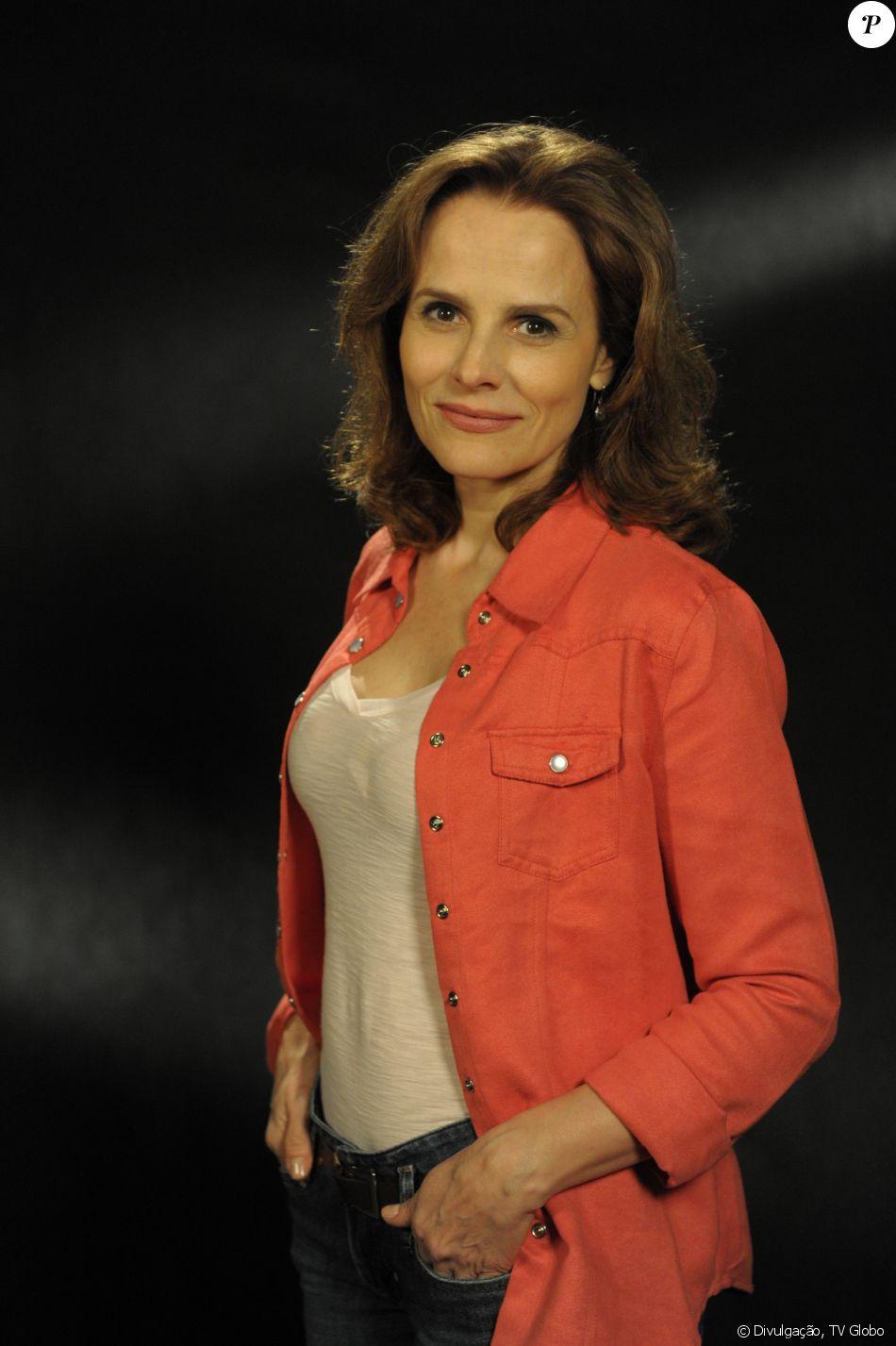 Bia Seidl volta às novelas após um pouco mais de quatro anos em 'Apocalipse', nova trama bíblica da Record. No folhetim, a atriz será mãe do vilão Ricardo (Sérgio Marone)