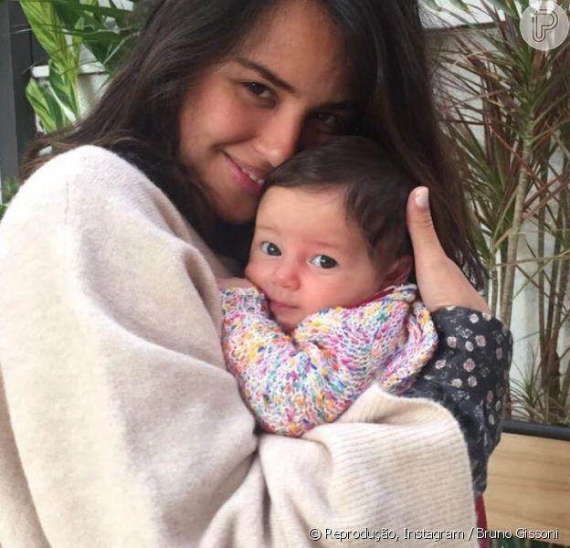 Bruno Gissoni exibe rostinho da filha, Madalena, em foto com Yanna Lavigne