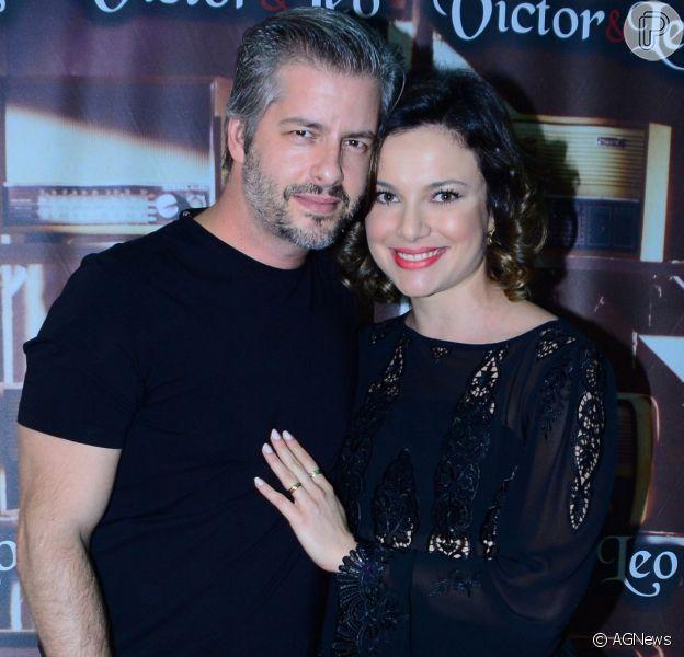 Victor Chaves se separa de Poliana. 'Solteirão', entrega Léo em show no Tom Brasil, neste domingo, dia 13 de agosto de 2017