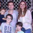 Daniel de Oliveira afirma que o filho caçula Otto tem influência da língua alemã e inglesa, além do português