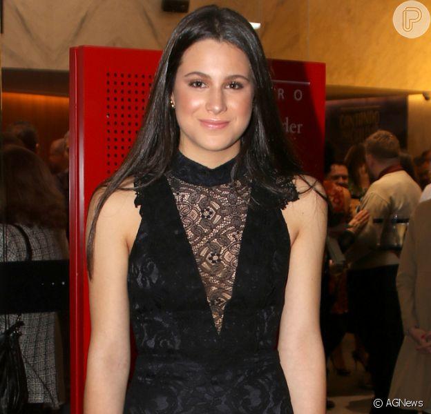 Sophia Raia, filha de Claudia Raia, rouba a cena em estreia do musical da mãe, em São Paulo