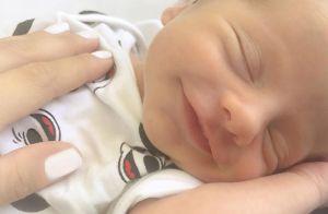 Karina Bacchi mostra rosto do filho recém-nascido, Enrico: 'Tanto amor'. Foto!