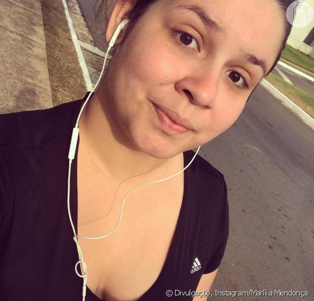 Marília Mendonça pratica corrida e é zoada por mãe