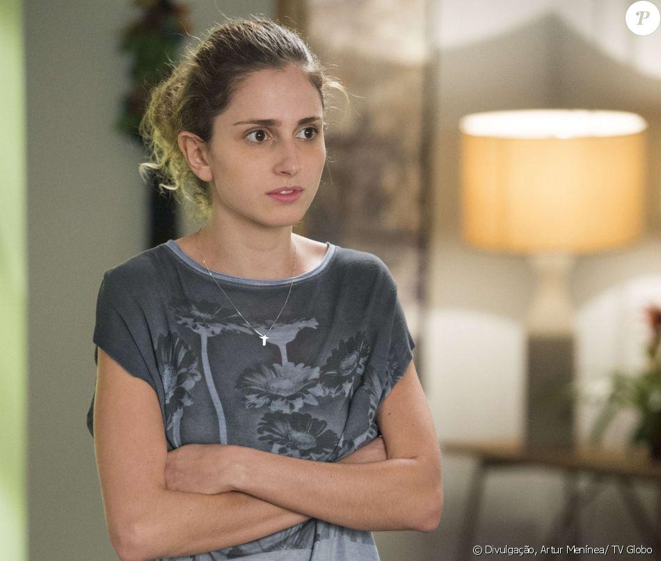 Ivana (Carol Duarte) anuncia para a família que é transgênero, na novela 'A Força do Querer'