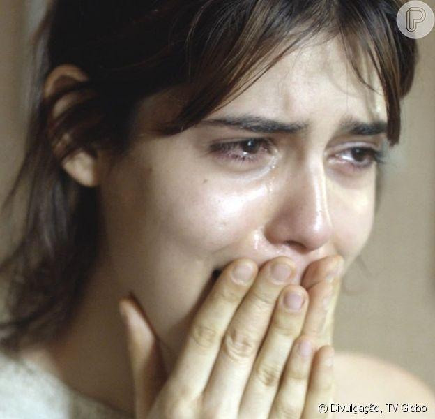 Nanda (Julia Dalavia) é humilhada por Ben (Guilherme Prates), seu ex-namorado, ao revelar ter Aids, no capítulo previsto para ir ao ar dia 1º de setembro de 2017, na série 'Os Dias Eram Assim'