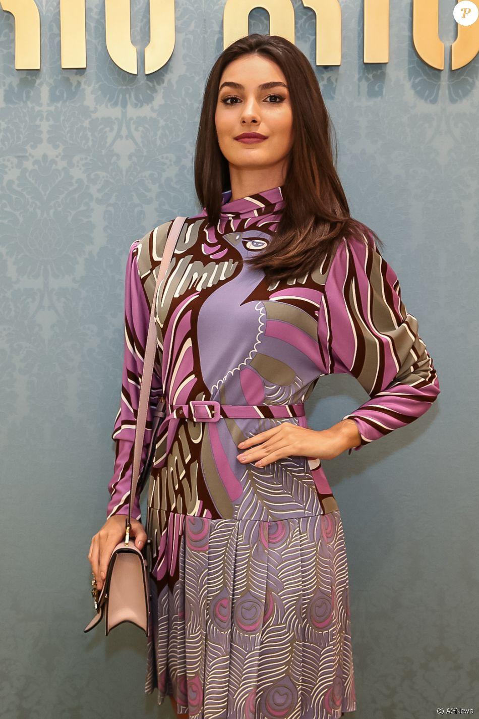 O modelo de vestido usado por Marina Moschen contava com acabamento plissado ccc3b5a1f5