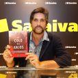 Leo Chaves lançou seu primeiro livro, 'No Colo dos Anjos', na Bienal do Livro