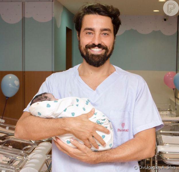 Ricardo Pereira é pai de novo! Nasce Julieta, 3ª filha do ator com Francisca Pereira, nesta sexta-feira, dia 01 de setembro de 2017
