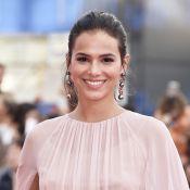 Bruna Marquezine dá gritinhos ao ver George Clooney e Matt Damon em Veneza