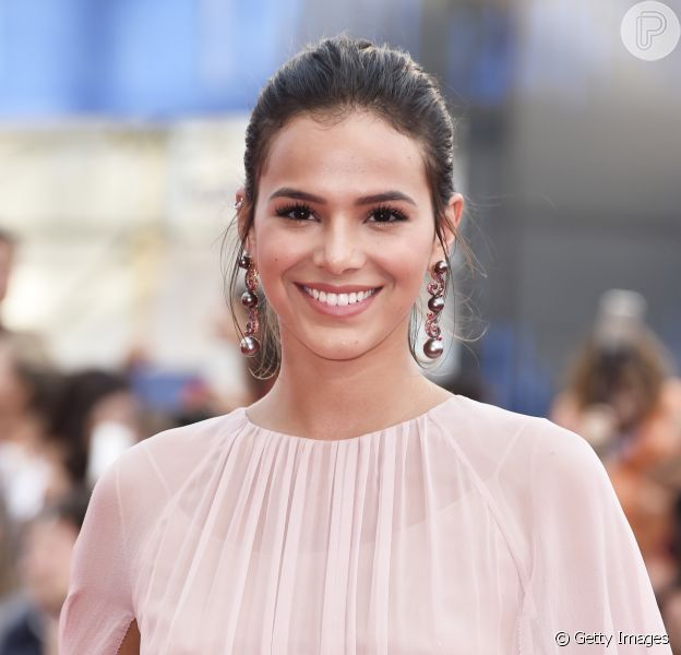 Bruna Marquezine não se conteve e deu gritinhos ao ver de perto os astros George Clooney e Matt Damon no Festival Internacional de Veneza neste sábado, 2 de setembro de 2017