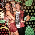 O promoter David Brazil posou com Juliana Paes na quadra da Grande Rio
