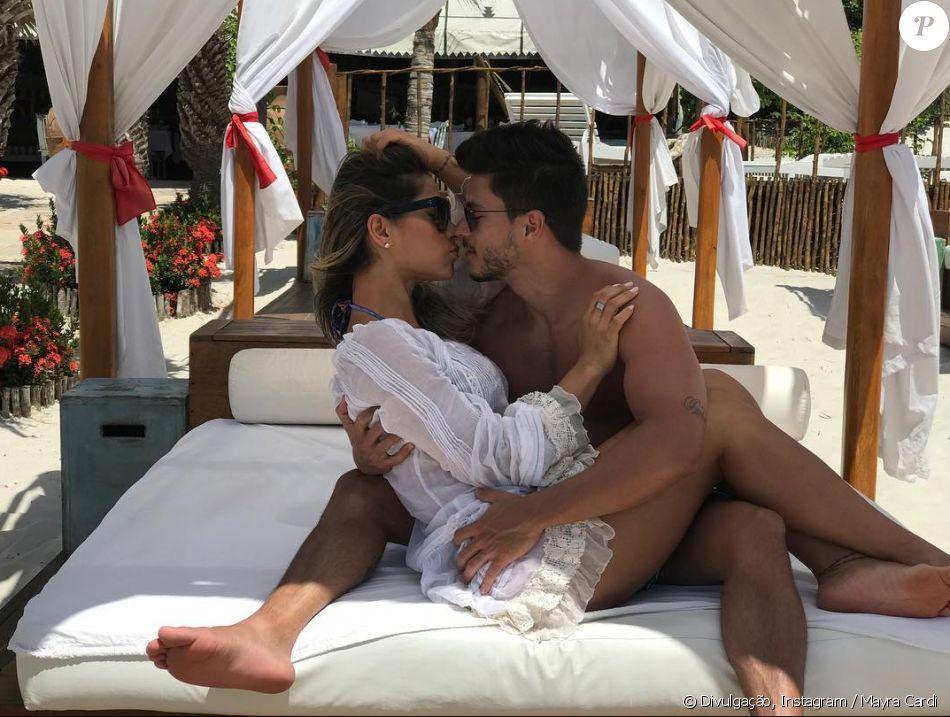 Mayra Cardi vai se casar com Arthur Aguiar  no segundo semestre de 2018 em Fernando de Noronha.