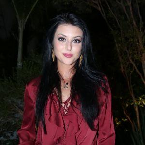 Anaju Dorigon. Foto do site da Pure People que mostra Anajú Dorigon revela como se livra do peso de cenas de estupro: 'Ouço música'