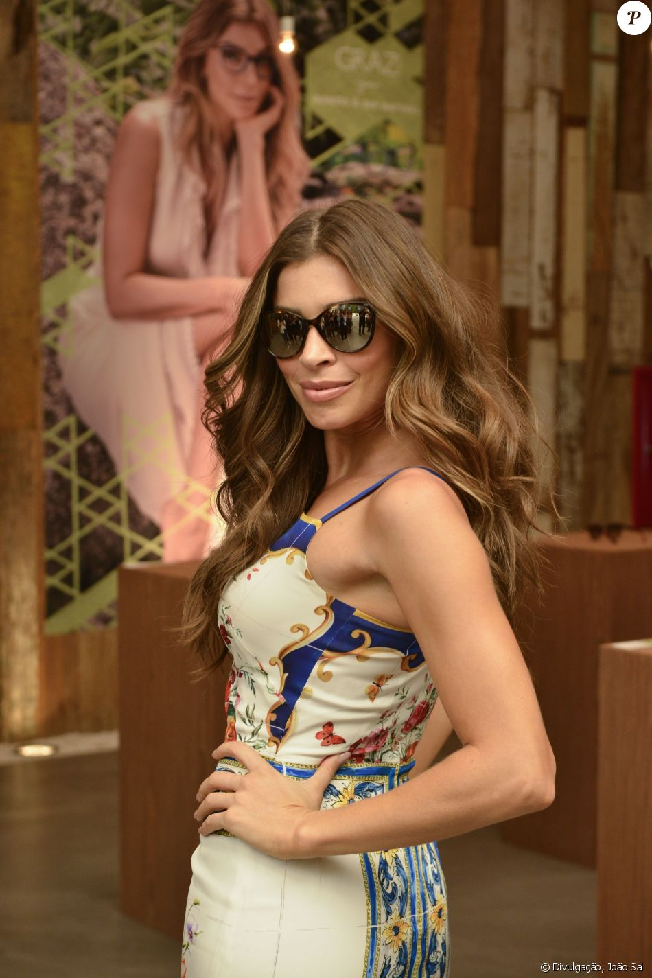Grazi Massafera lançou uma nova coleção de óculos para sua marca, Grazi  Eyewear, em b9711a8a19