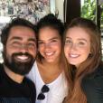 Marina Ruy Barbosa e Marina Ruy Barbosa posaram com o ator Ricardo Pereira durante a preparação para novela