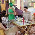 Verônica (Elisa Brites) se convida para almoçar com Gustavo (Carlo Porto), Cecília (Bia Arantes) e Dulce Maria (Lorena Queiroz) e deixa um mal-estar no local, no capítulo que vai ao ar sexta-feira, dia 22 de setembro de 2017, na novela 'Carinha de Anjo'