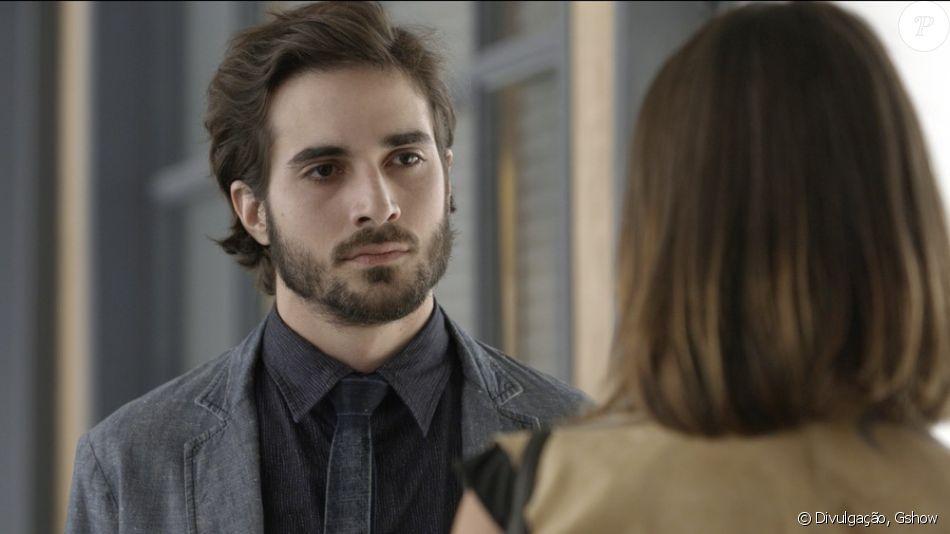 Ruy (Fiuk) fica chocado quando Cibele (Bruna Linzmeyer) diz que que Ritinha (Isis Valverde) 'estava de caso' com Zeca (Marco Pigossi), na novela 'A Força do Querer'
