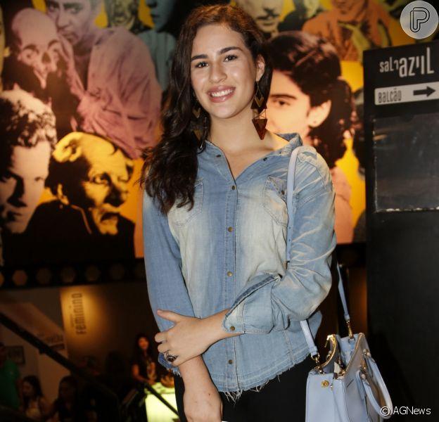 Lívian Aragão concilia estudos com gravações da novela 'Tempo de Amar', que estreia dia 26 de setembro de 2017