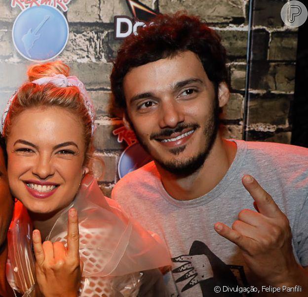 Lua Blanco reata namoro com ex, Leandro Soares, como contou ao Purepeople neste sábado, dia 17 de setembro de 2017