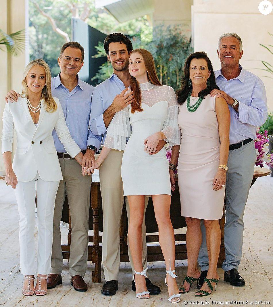 Marina Ruy Barbosa mostra foto com marido, pais e sogros neste domingo, dia  17 49b0b720a1