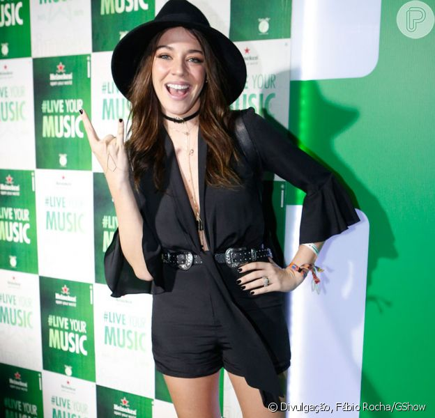 Luma Costa apostou em look customizado para curtir o terceiro dia do Rock in Rio, no domingo, 17 de setembro de 2017