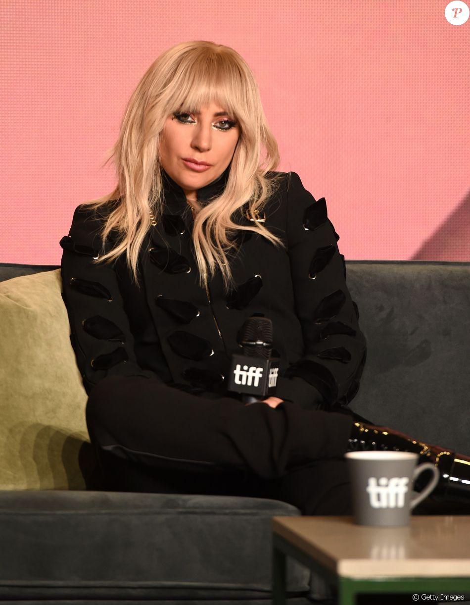 Lady Gaga, após Rock in Rio e turnê na Europa adiada, sofre ataques nas redes sociais e lamenta em postagem nesta segunda-feira, dia 18 de setembro de 2017