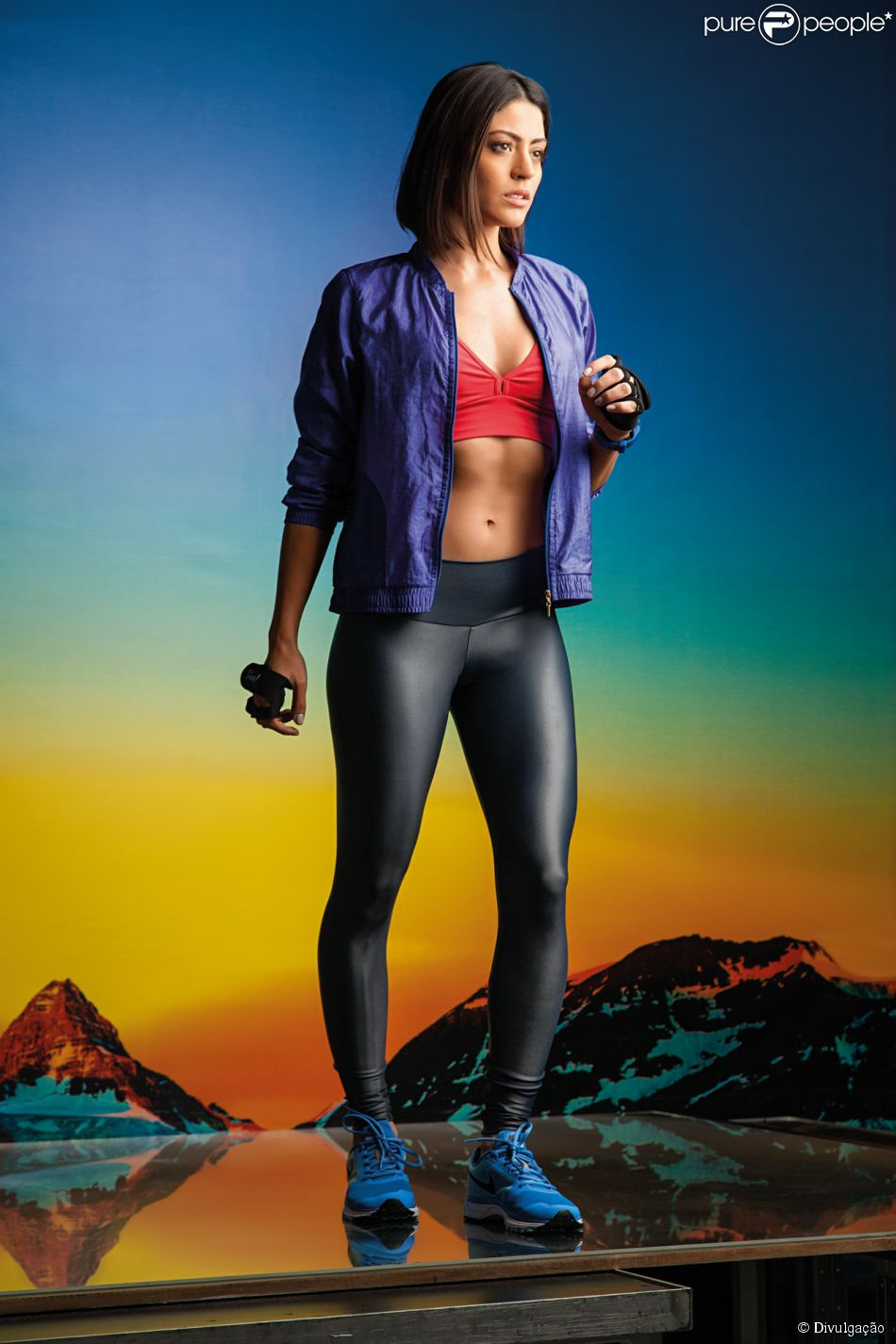 Carol Castro estrela campanha de moda fitness e mostra boa forma 28 de abril de 2014