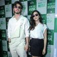 Taina Müller e o marido,  Henrique Sauer, surgiram estilosos no  quarto dia do Rock in Rio, nesta quinta-feira, 21 de setembro de 2017