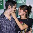 Gabriel Leone já entregou o desejo de atuar com a namorada: ' Sempre tivemos vontade de trabalhar juntos pra ver como seria'