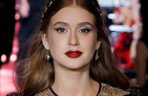 Marina Ruy Barbosa desfila pela Dolce & Gabbana em Milão, na Itália
