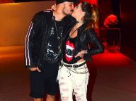 Ex-BBBs Aline Gotschalg e Fernando Medeiros trocam beijos no Rock in Rio