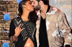 Aline Dias exibe barriga de grávida e beija namorado no RIR: 'Incrível'. Fotos!