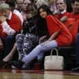 Kylie Jenner está grávida de Travis Scott e quem confirmou a informação foi Caitlyn Jenner, pai da socialiteestá grávida e quem confirmou a informação foi Caitlyn Jenner