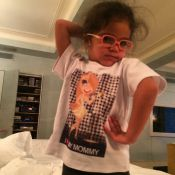 Filha de Mariah Carey, Monroe imita famosa pose da mãe
