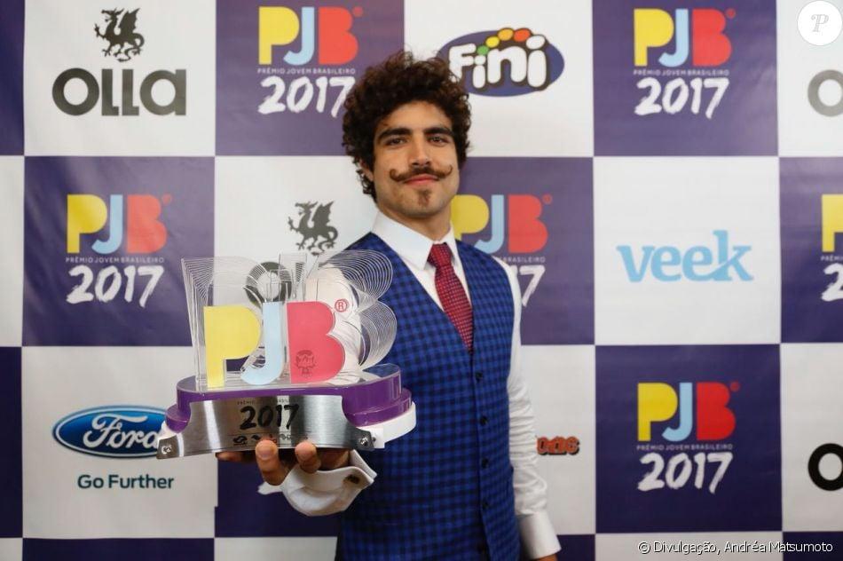 Caio Castro conquistou o troféu de Melhor Ator no Prêmio Jovem Brasileiro  na noite de segunda-feira, 25 de setembro de 2017
