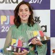 Sophia Abrahão conquistou o troféu de Melhor Apresentadora no Prêmio Jovem Brasileiro na noite de segunda-feira, 25 de setembro de 2017