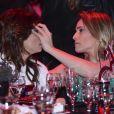Fernanda Gentil e Priscila Montandon demonstraram intimidade no Prêmio Comunique-se