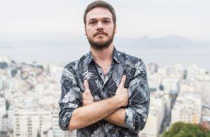 Emilio Dantas diz que mãe fica nervosa com cenas de Rubinho em novela: 'Sofre'