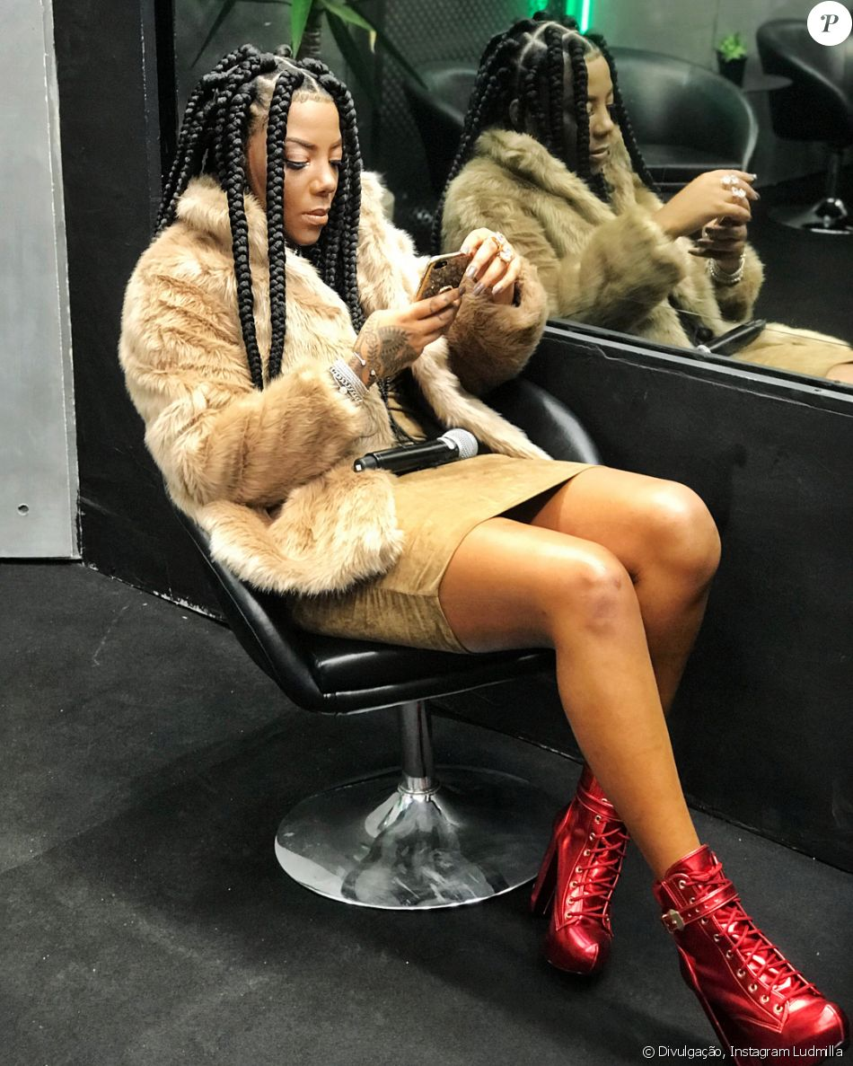 Ludmilla usou o seu Instagram para mostrar que está com o visual dos cabelos renovado