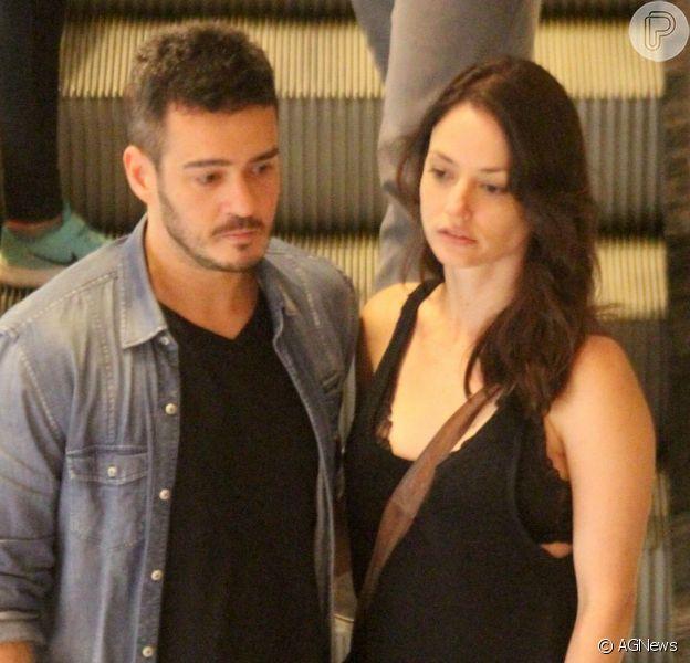 Marcos Veras e Rosanne Mulholland passeiam juntos em shopping do Rio de Janeiro, em 1 de outubro de 2017