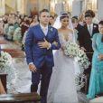 Ex-BBB Munik Nunes usou  um vestido de R$ 40 mil assinado pela estilista Solange Sahdo