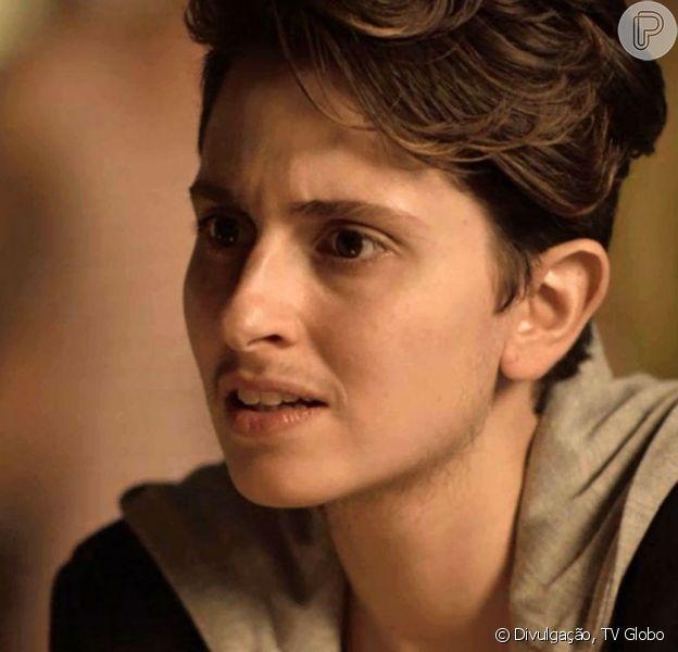 Sem camisa, Ivan (Carol Duarte) vai mostrar o peitoral masculino após retirar os seios na novela 'A Força do Querer'