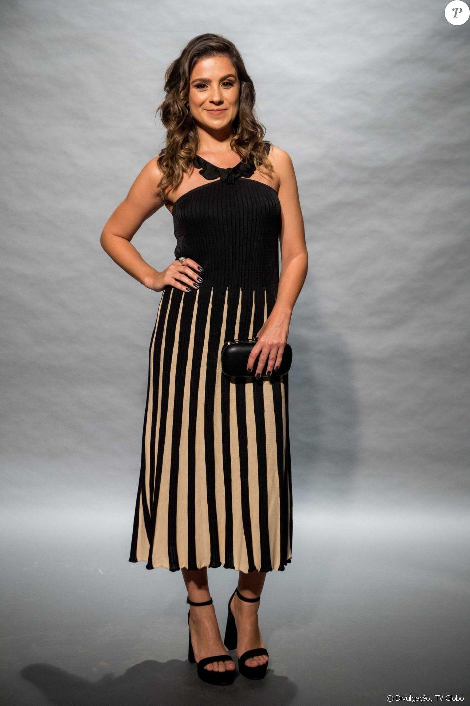 c36efaea2 Patrícia Elizardo escolheu o vestido Maria Filó para ir ao lançamento da  nova novela das nove da Globo, 'O Outro Lado do Paraíso'