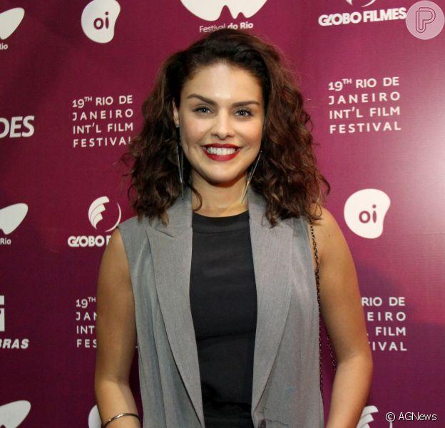Paloma Bernardi exibiu o novo visual no Festival do Rio na noite de sexta-feira, 7 de outubro de 2017