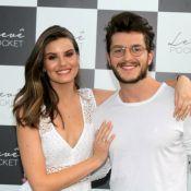 Klebber Toledo e Camila Queiroz vão a lançamento de empresa de Isabelle Drummond