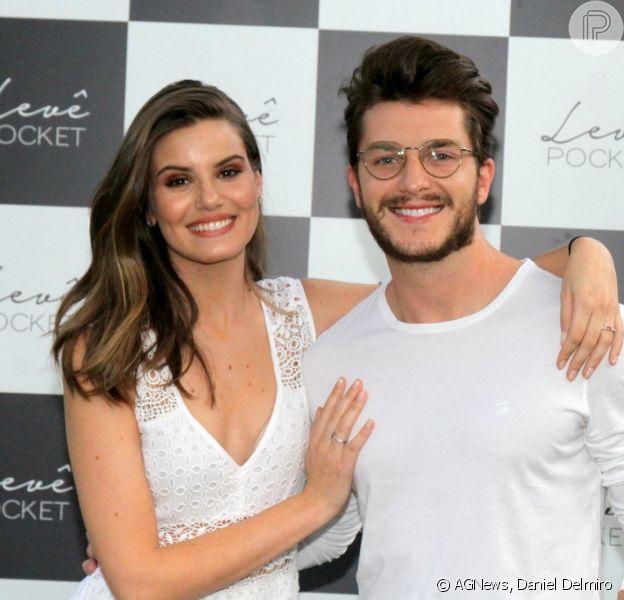 Camila Queirz e Klebber Toledo prestigiam lançamento da empresa de Isabelle Drummond, Levê Pocket, no Rio de Janeiro, em 8 de outubro de 2017