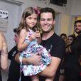 Pedro Leonardo foi ao show de Larissa Manoela com sua família