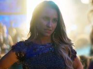 'A Força do Querer': Carine imita Bibi em barraco no baile e usa roupas da rival