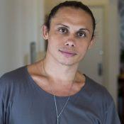 Silvero Pereira descarta romance em novela e brinca: 'Adoraria beijar na boca'